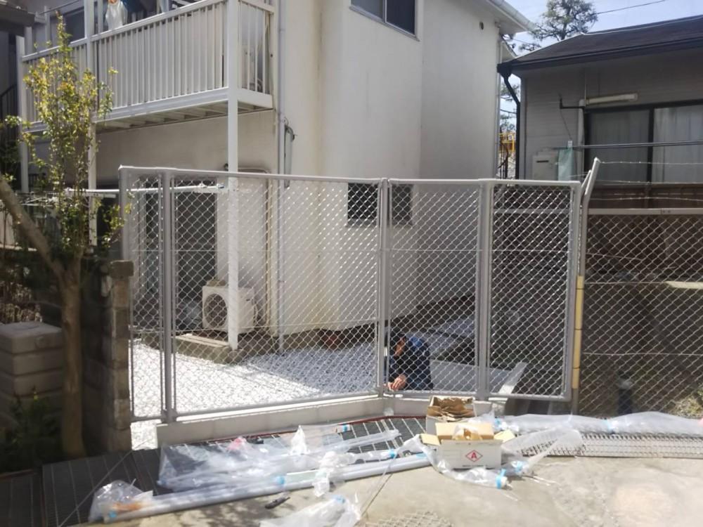 荒れた庭をフェンスもやり替えてスッキリのafter画像